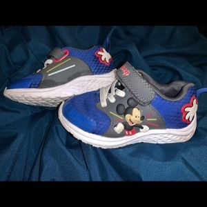 Toddler size 7 Mickey Mouse shoes